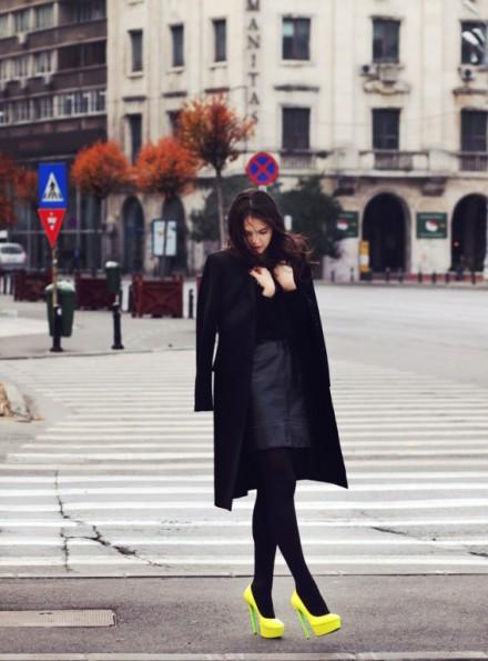 acessorioneonstreet-style-neon-high-heels-fashion-2011-440x595