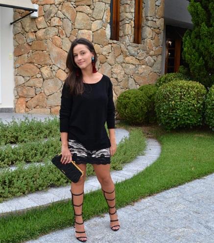 looks_minha_amiga_me_disse_sandalia_gladiadora_schutz_brincos_com_franjas_tassels_brincos_com_borlas